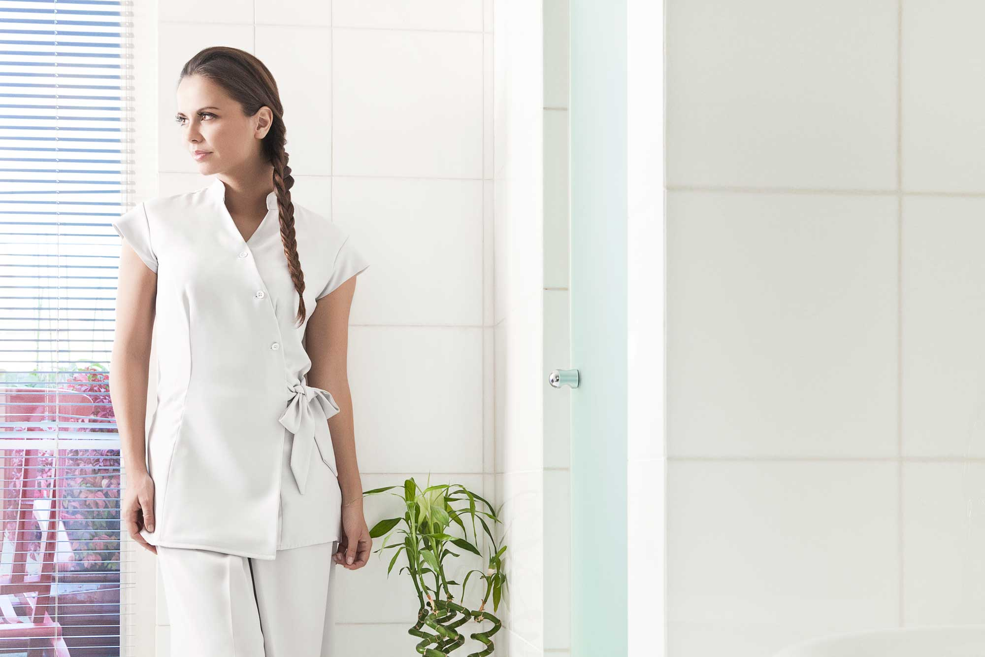 Philness paris uniforme accueil for Salon hotellerie restauration paris